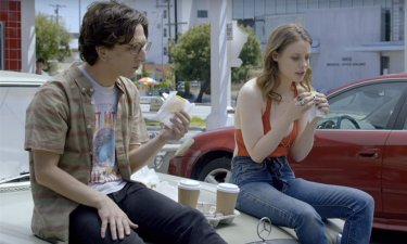 Love: Paul Rust e Gillian Jacobs interpretano Gus e Mickey