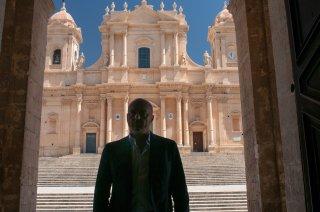 Il commissario Montalbano: il protagonista Luca Zingaretti in Una faccenda complicata