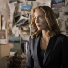 X-Files: l'attrice Gillian Anderson interpreta Scully nell'episodio Ossessione