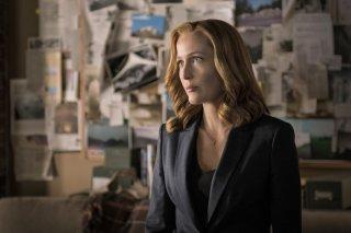 X-Files: l'attrice Gillian Anderson interpreta Scully nell'episodio Ossessione