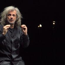 Urge: Alessandro Bergonzoni in un momento del suo spettacolo teatrale