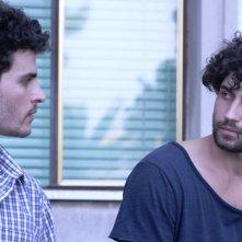 Come saltano i pesci: Simone Riccioni e Brenno Placido in un momento del film