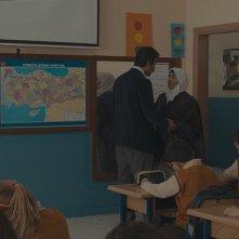 La canzone perduta: Feyyaz Duman e Zübeyde Ronahi in una scena del film