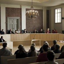 La corte: una scena del processo tratta dal film
