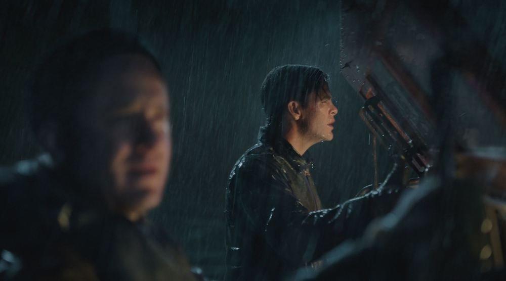 L'ultima tempesta: Chris Pine in una scena del film