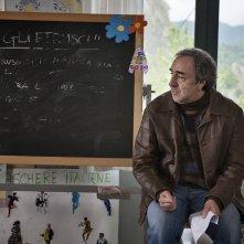 Un paese quasi perfetto: Silvio Orlando in una scena del film