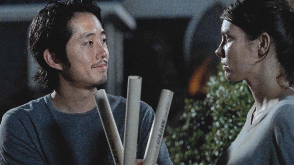 The Walking Dead: Steven Yeun e Lauren Cohan in I nodi si sciolgono