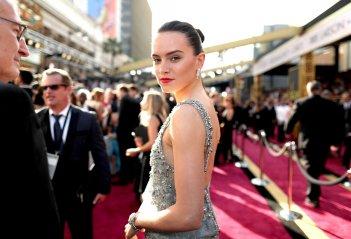 Daisy Ridley sul red carpet degli Oscar 2016