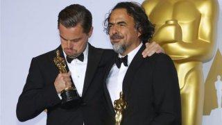 Oscar 2016, Leonardo DiCaprio e Inarritu con i loro premi per Revenant