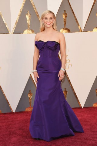 Oscar 2016: Reese Whiterspoon sul red carpet