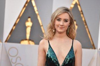 Oscar 2016: un'elegantissima Saoirse Ronan sul red carpet