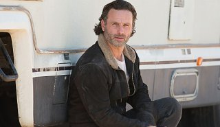 The Walking Dead: Andrew Lincoln in una foto dell'episodio I nodi si sciolgono