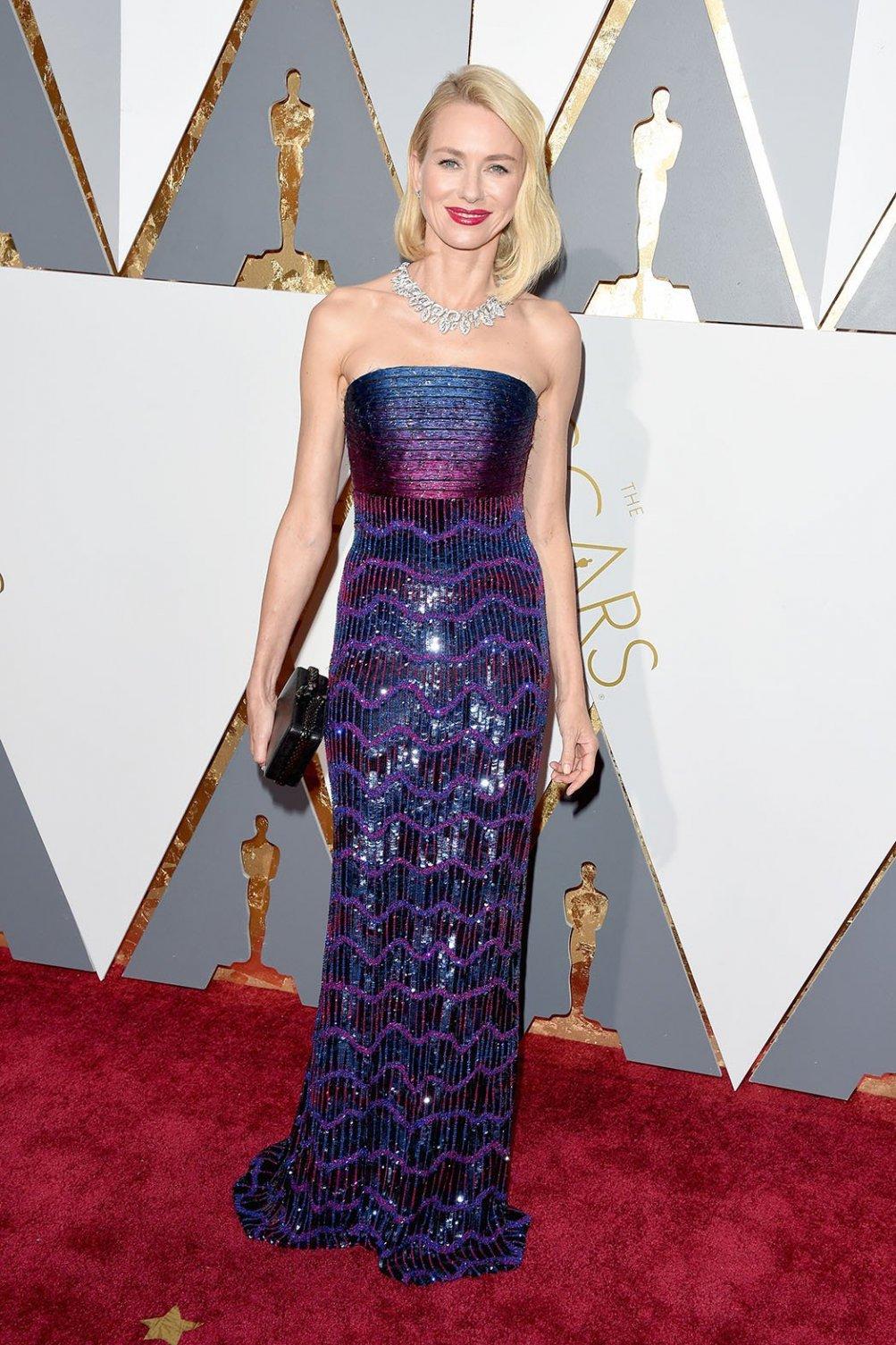 Osacr 2016: un'elegantissima Naomi Watts