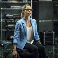 Arrow: l'attrice Emily Bett Rickards interpreta Felicity nella puntata Unchained