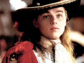 La meschera di ferro: un primo piano di Leonardo DiCaprio