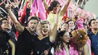 Grease Live!: il cast in una delle scene finali del film
