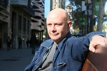 Un'immagine dello scrittore Nick Hornby