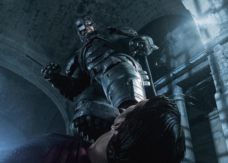 Batman v Superman: Dawn of Justice - Ben Affleck minaccia Henry Cavill