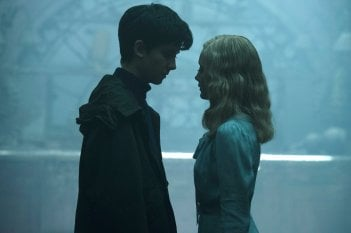 Miss Peregrine's Home for Peculiar Children: Asa Butterfield ed Ella Purnell in una scena