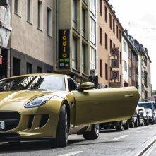 Autobahn - Fuori controllo: Nicholas Hoult in una scena del film