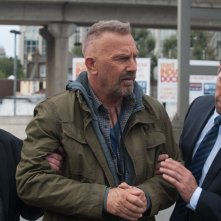 Criminal: Kevin Costner in una scena del film