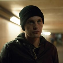 Criminal: Michael Pitt in una scena del film