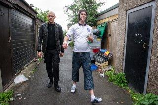 Grimsby - Attenti a quell'altro: Sacha Baron Cohen e Mark Strong in un momento del film