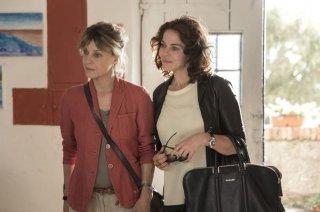 Nemiche per la pelle: Margherita Buy e Claudia Gerini in una scena del film
