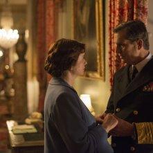 Una notte con la regina: Emily Watson e Rupert Everett in una scena del film