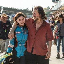 Veloce come il vento: Matilda De Angelis e Stefano Accorsi in una scena del film