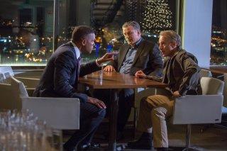 Zona d'ombra - Una scomoda verità: un pensieroso Will Smith, Alec Baldwin e Arliss Howard in una scena del film