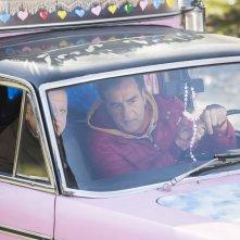 La coppia dei campioni: Max Tortora e Massimo Boldi in macchina in una scena del film