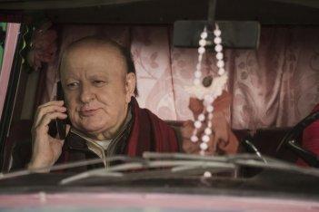 La coppia dei campioni: Massimo Boldi al telefono in una scena del film