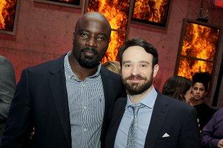Daredevil: gli attori Mike Colter e Charlie Cox alla première della seconda stagione