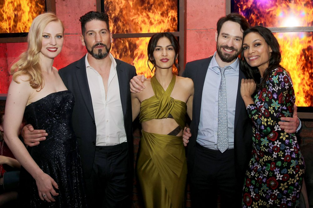 Daredevil: Deborah Ann Woll, Jon Bernthal, Elodie Yung, Charlie Cox e Rosario Dawson alla première della seconda stagione