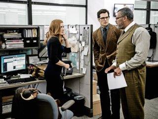 Batman v Superman: Dawn of Justice, Amy Adams, Henry Cavill e Laurence Fishburne in una scena del film