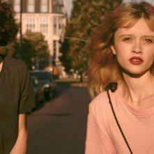 Bang Gang: Marilyn Lima e Lorenzo Lefèbvre in un momento del film