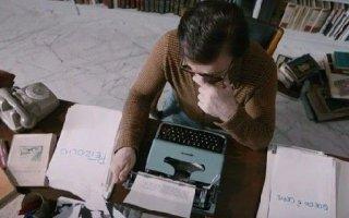 La macchinazione: Massimo Ranieri in un'immagine dall'alto del film