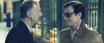 La macchinazione: Massimo Ranieri e Roberto Citran in una scena del film