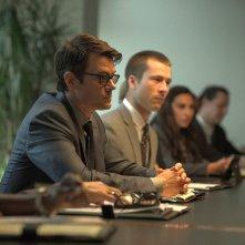 Misconduct: Al Pacino, Josh Duhamel e Glen Powell in una scena del film