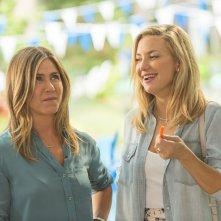 Mother's Day: Jennifer Aniston e Kate Hudson in una scena del film