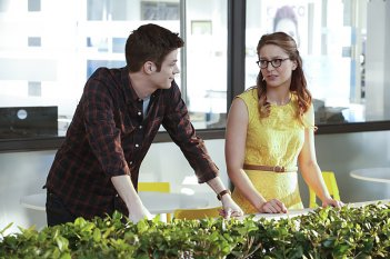 Supergirl: Grant Gustin e Melissa Benoist in World's Finest