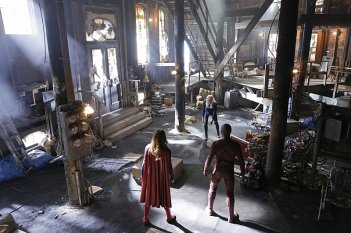 Supergirl: un'immagine del crossover con The Flash intitolato World's Finest