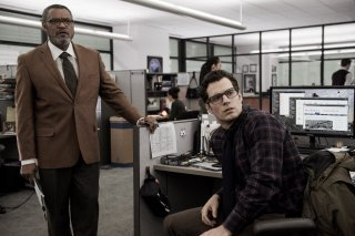 Batman v Superman: gli attori Laurence Fishburne e Henry Cavill in una foto del film