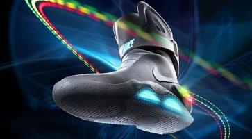 Che Presenta Al Scarpe La Futuro Autoallacciano Le Si Nike Ritorno wnB0Iq7CI