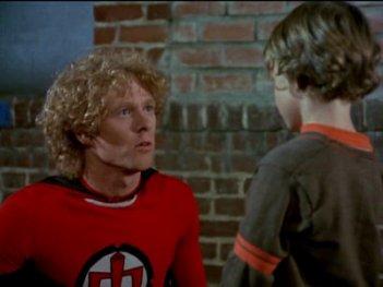 Ralph supermaxieroe: una foto della serie con protagonista William Katt