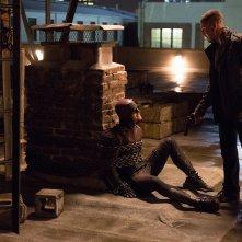Daredevil: Jon Bernthal minaccia Charlie Cox