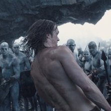 The Legend of Tarzan: Alexander Skarsgård in una scena d'azione del film
