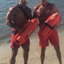 Baywatch: Dwayne Johnson e David Hasselhoff sul set