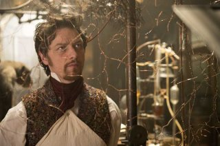 Victor - La storia segreta del Dottor Frankenstein: James McAvoy in un momento del film